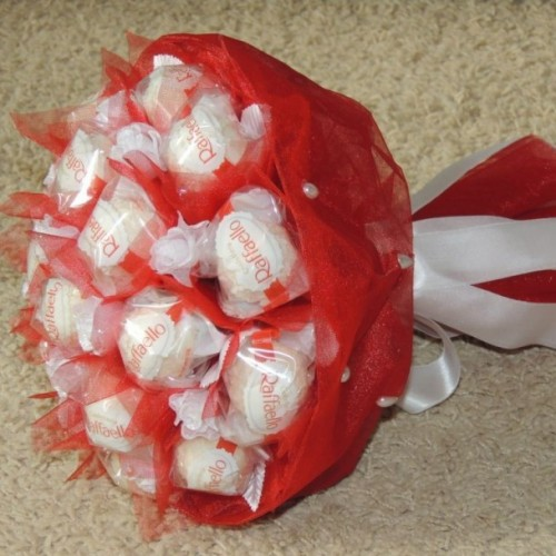 Букеты конфет из рафаэлло своими руками пошаговое фото для начинающих